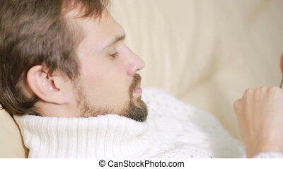 barbu, tablette, jeune, divan, veste, homme