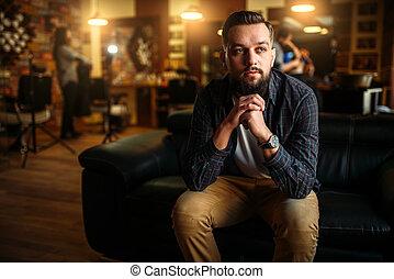 barbudo, sofá, barbershop, assento homem