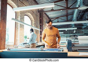 barbuto, ufficio, lavorativo, carta, manifatturiero, uomo