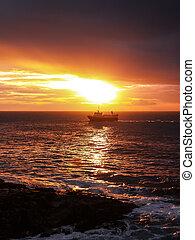 barca, a, tramonto