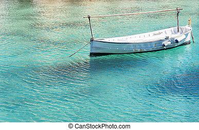 barca, flotar, en, transparente, agua