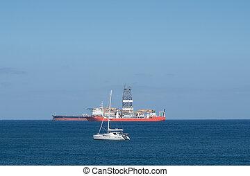 barca naviga, nave perforazione, e, petroliera, su, oceano, orizzonte, -