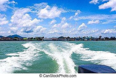 barca, scia, su, il, acqua, dietro, il, barca