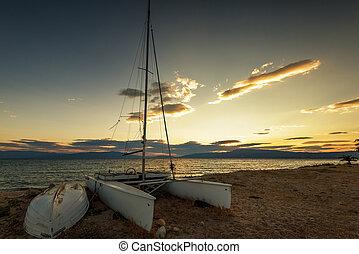 barca vela, spiaggia, a, sunset.