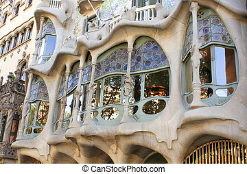 Barcelona architecture - Gaudi's Casa Battlo in Barcelona, ...
