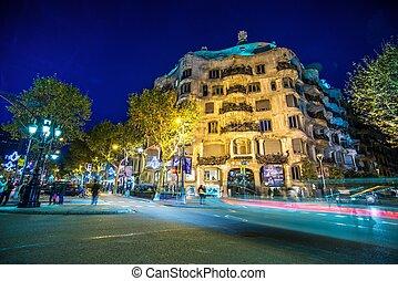 barcelona-november, 24:, la pedrera, 또는, casa mila, 에, 황혼,...