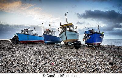 barche pescano, spiaggia, a, birra, in, devon