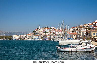 barche, poros, grecia