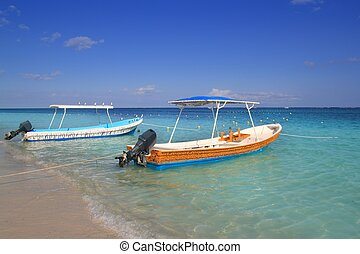 barche, spiaggia, turchese, mare caraibico