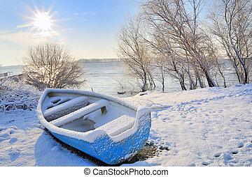 barco azul, en, río de danubio