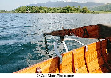 barco, en, hermoso, lago