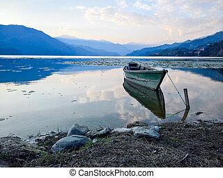 barco, en, lago, en, ocaso