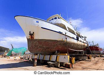 barco, en, muelle seco, durante, el, overhaul.