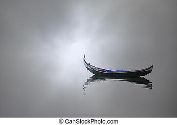 barco, en, un, brumoso, mañana