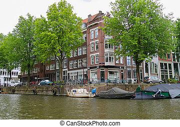 barcos, en, un, canal, en, amsterdam., países bajos