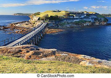 Bare Island Sydney Australia - Boardwalk bridge to Bare ...