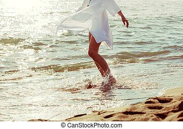 enjoy in sea water