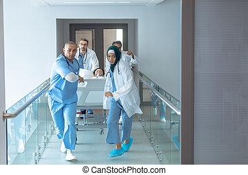 barella, dottore, corridoio, emergenza, letto ospedale, spinta