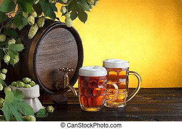 barile, occhiali, birra, due