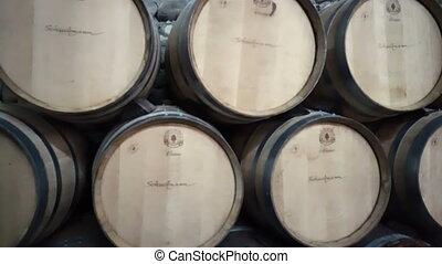 barils, cave, empilé, établissement vinicole, vieux, vin