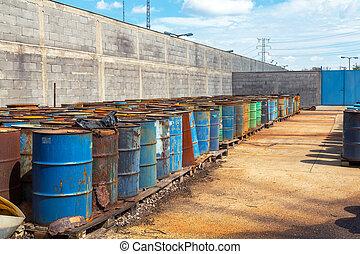 barils, toxique, plusieurs