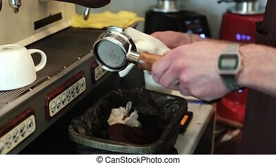 Barista deducts the Holder from the coffee cake.