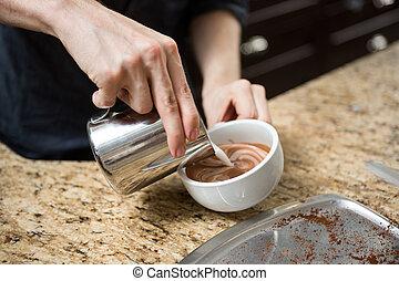 barista, vervaardiging, cappuccino, in, coffeeshop