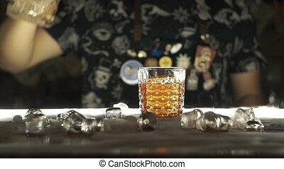 barman, barre cocktail, confection