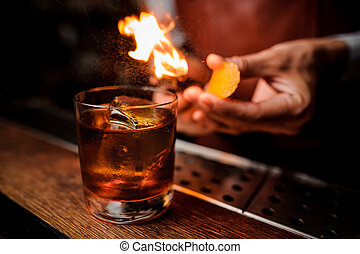 barman, cocktail, haut, flamme, au-dessus, fin, marques