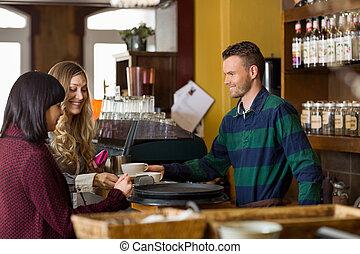 barmann, dienst, bohnenkaffee, zu, frauen, an, bankschalter