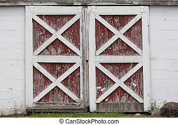 Barn Doors - Rustic old red and white barn doors with...