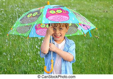 barn, med, paraply, i regna