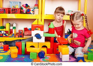 barn, med, problem, kvarter, och, konstruktion sätt, in,...