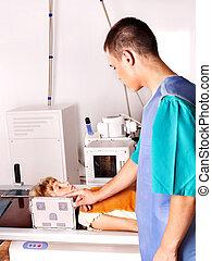 barn, radiologist., doktor