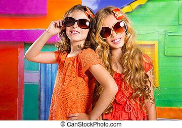 barn, vänner, flickor, in, semester, hos, tropisk, färgrik,...