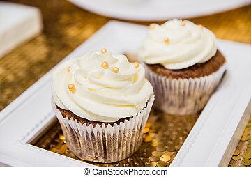 barna, fehér, cupcakes, két, krém