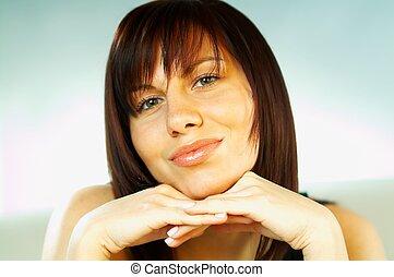 barna nő, érzelmek