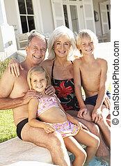 barnbarn, sittande, farföräldrar, tillsammans, stående, slå samman, simning