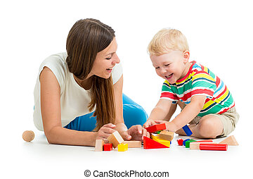 barnet, dreng, spille, legetøj, sammen, mor