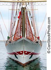 Barquentine tall ship - Barquentine, schooner barque front