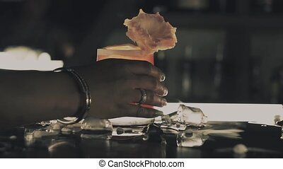 barre cocktail, femme