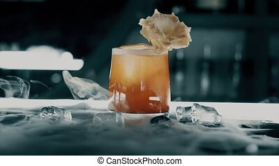 barre, glace, cocktail