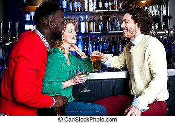 barre, trois, bière, groupe, boire, amis