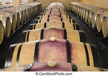 barriles, vino rojo