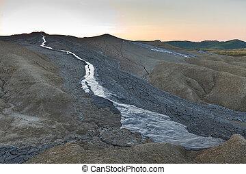 barro, volcanes, en, buzau, rumania