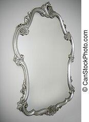 barroco, prata, espelho, sobre, parede branca