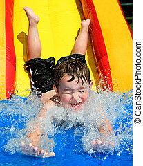 bas, diapositive eau, aller, enfant