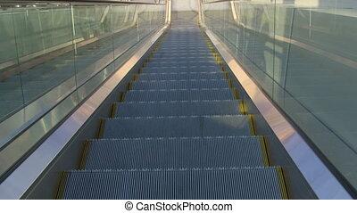 bas, en mouvement, escalator