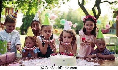 bas, fête, syndrome, amis, enfant, dehors, garden.,...