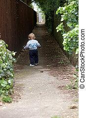 bas, garçon, marche, couloir, bébé